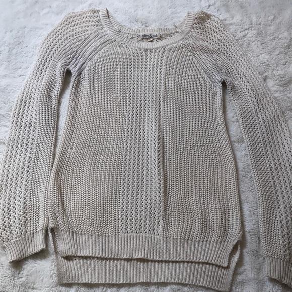 Olive & Oak Sweaters - Olive & Oak Loose Knit Sweater Small